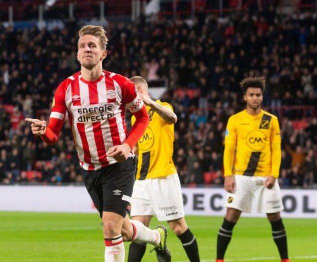 PSV gana sin mexicanos