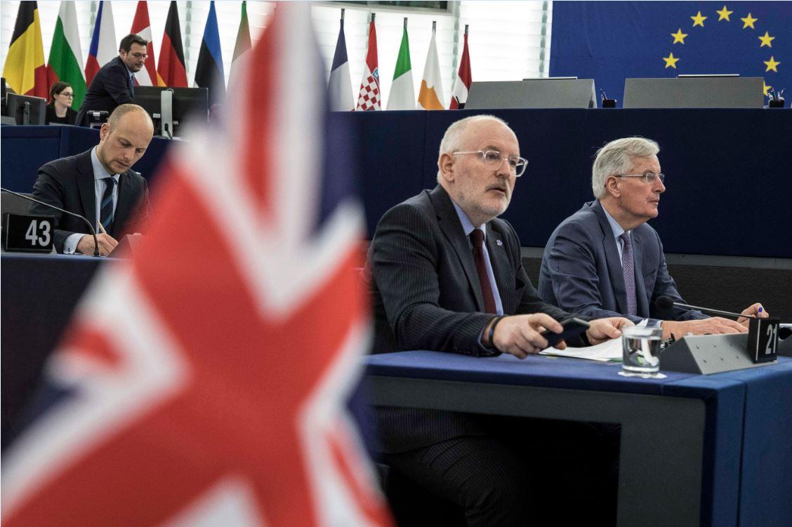Legisladores británicos rechazan salir de la UE sin acuerdo