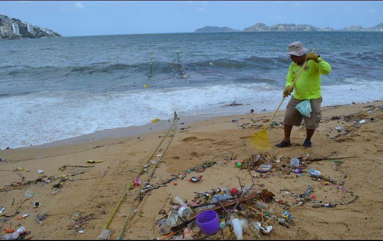 Recolectan más de 90 toneladas de basura en playas de Acapulco