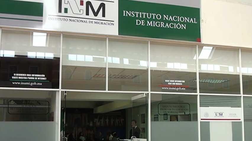 Anuncia AMLO depuración de personal en Migración y Aduanas