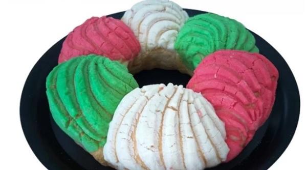Crean rosconcha tricolor para las fiestas patrias